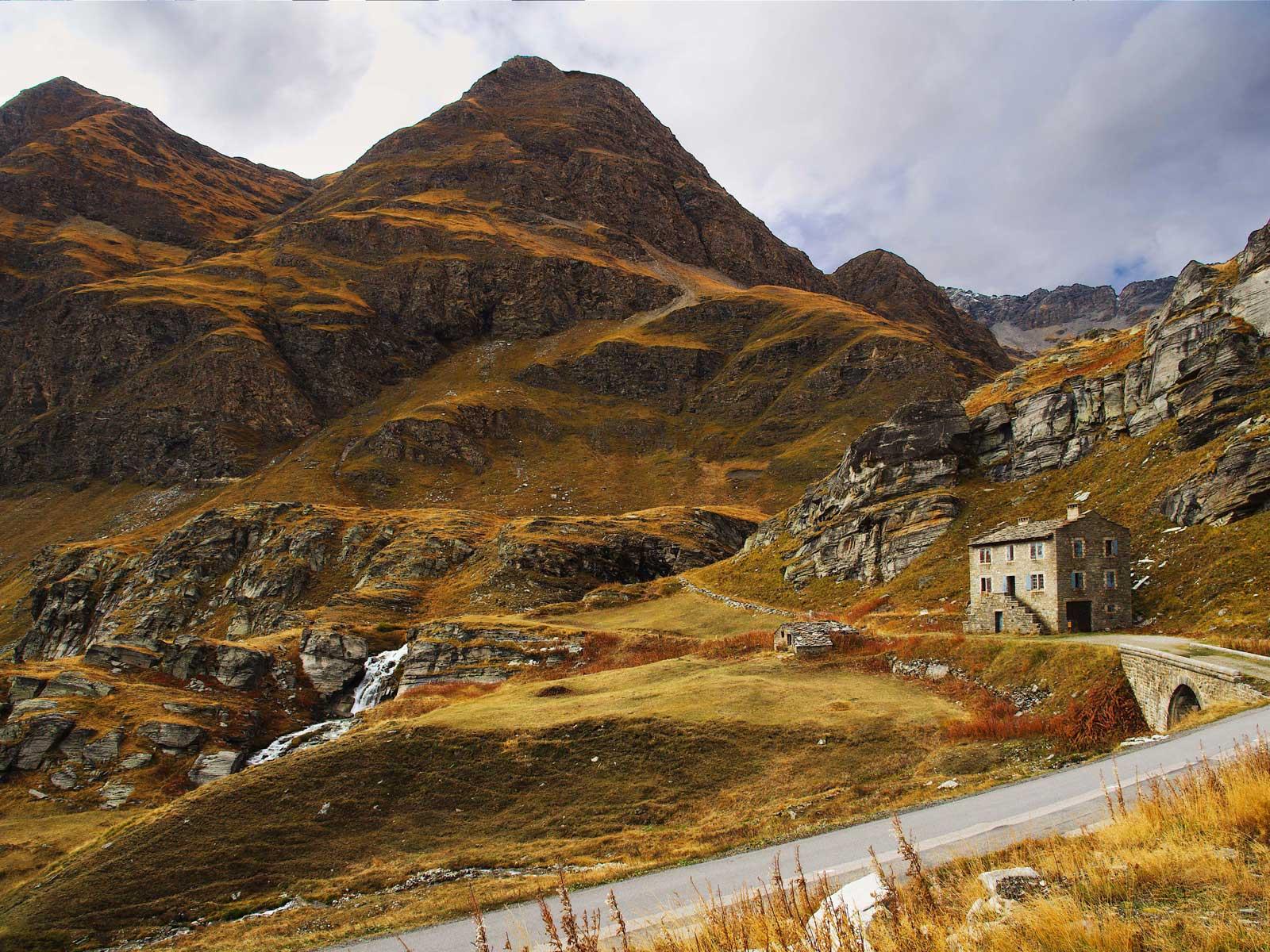 Col de montagne en automne